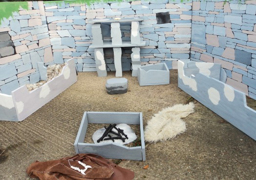 Inhabit a replica of a Neolithic house